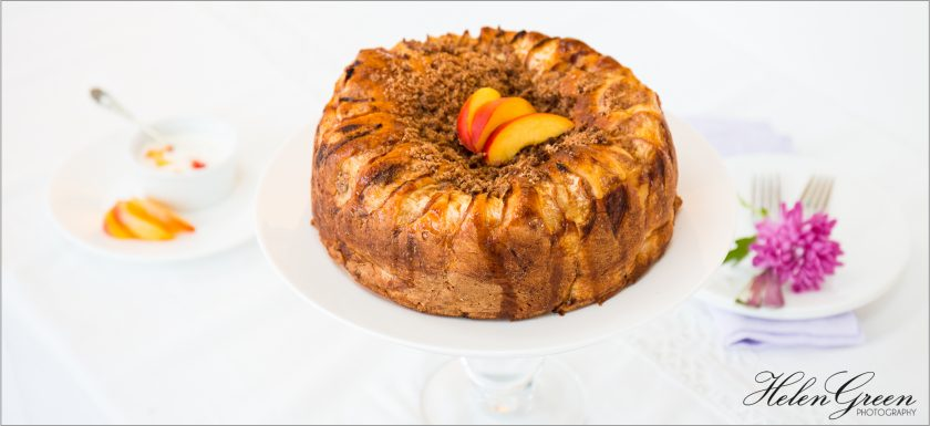 peach cake with crumble topping